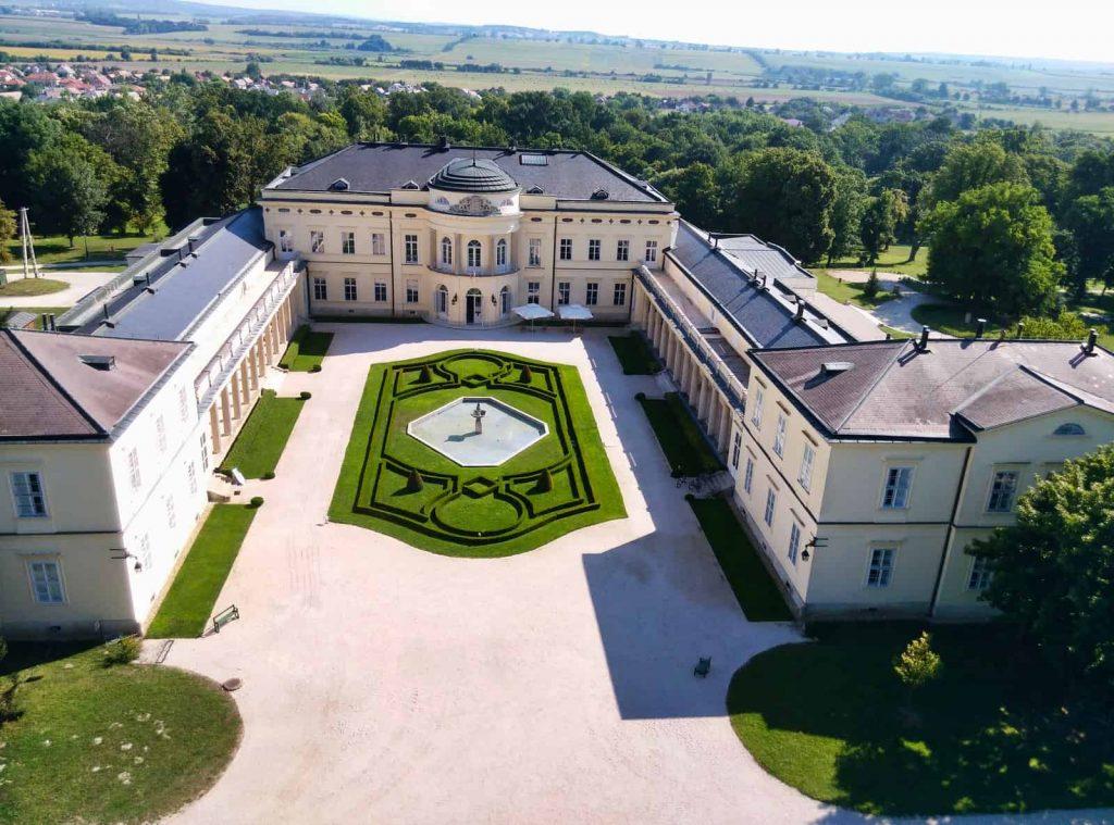 karolyi chateau