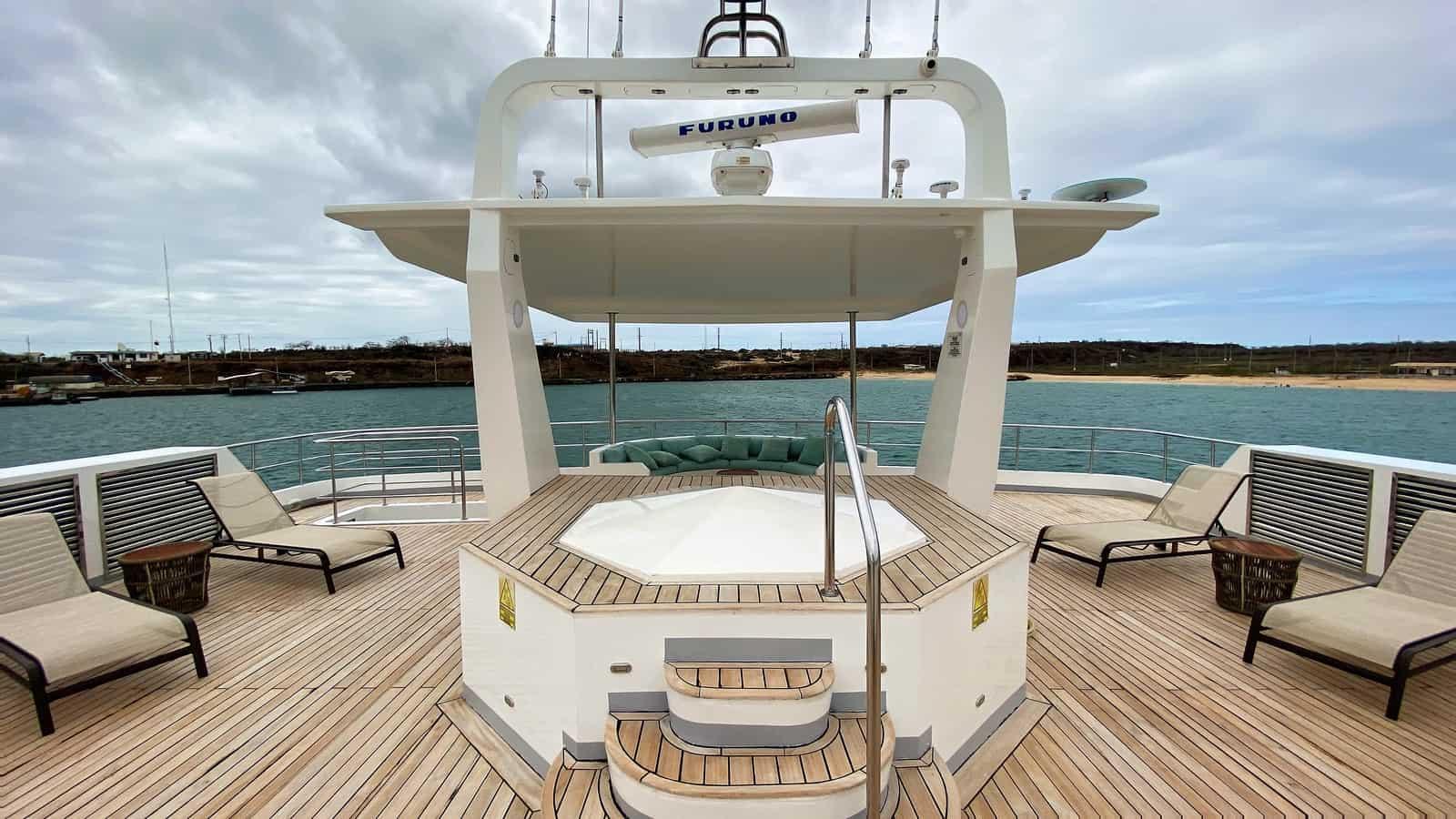Galapagos cruise - Alya
