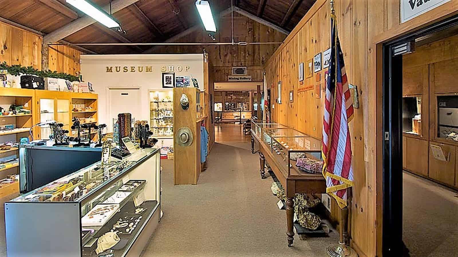 Yosemite Mineral Museum