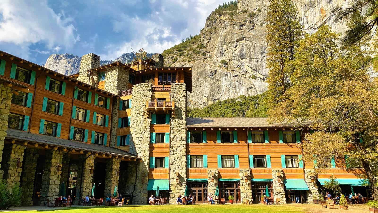 Awanhnee hotel